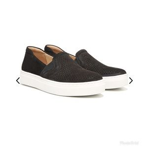 Naturalizer Carly Slip-On Sneaker Black Leather